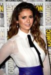 Celebrities Wonder 21963873_nina-dobrev-comic-con_4.jpg