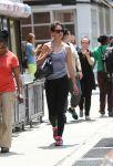 Celebrities Wonder 24033712_katie-holmes-leggings_1.jpg