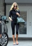 Celebrities Wonder 24939508_rosie-huntington-whiteley-gym_1.jpg