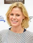 Celebrities Wonder 31187124_CMEE-Family-Fair_Julie Bowen 4.jpg