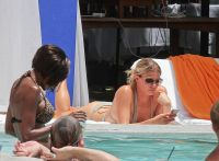 Celebrities Wonder 3231644_leann-rimes-bikini_7.jpg