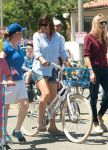 Celebrities Wonder 34252062_jennifer-garner-4th-of-July-Parade_3.jpg
