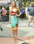 Celebrities Wonder 36490275_chrissy-teigen-extra_1.jpg