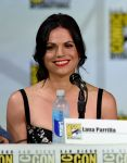 Celebrities Wonder 37121341_once-upon-a-time-panel-comic-con-2014_Lana Parrilla 1.jpg