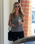 Celebrities Wonder 3768600_rosie-huntington-whiteley-gym_5.jpg