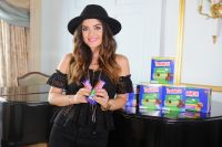 Celebrities Wonder 38972097_lucy-hale-Nestle-Crunch-Girl_3.jpg