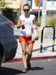 Celebrities Wonder 46457673_natalie-portman-pilates_2.jpg