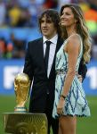 Celebrities Wonder 47889339_gisele-bundchen-world-cup-2014_6.JPG