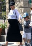 Celebrities Wonder 49438425_pregnant-christina-aguilera_5.jpg