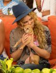Celebrities Wonder 49868999_shakira-Despierta-America_8.jpg