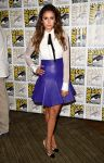 Celebrities Wonder 5342124_nina-dobrev-comic-con_2.jpg