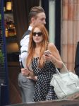 Celebrities Wonder 54237054_lindsay-lohan-london_5.JPG