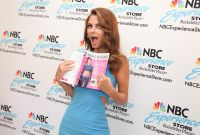 Celebrities Wonder 71182389_Untold-With-Maria-Menounos_7.jpg