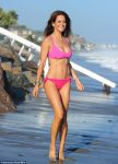 Celebrities Wonder 78086752_brooke-burke-bikini_1.jpg