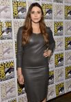 Celebrities Wonder 79408223_elizabeth-olsen-avengers-comic-con-2014_3.jpg