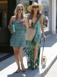 Celebrities Wonder 83927738_Paris-Nicky-Hilton-Malibu_3.jpg