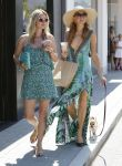 Celebrities Wonder 85190186_Paris-Nicky-Hilton-Malibu_5.jpg