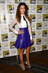 Celebrities Wonder 85964118_nina-dobrev-comic-con_1.jpg