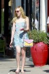 Celebrities Wonder 86115333_elle-fanning-salon_3.jpg