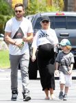 Celebrities Wonder 89352798_pregnant-christina-aguilera_3.jpg