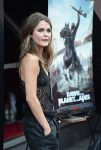 Celebrities Wonder 92146597_keri-russell-Dawn-Of-The-Planet-Of-The-Apes-premiere_4.jpg