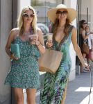 Celebrities Wonder 92786484_Paris-Nicky-Hilton-Malibu_8.jpg