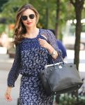 Celebrities Wonder 96347452_miranda-kerr-maxi-dress_5.jpg