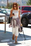 Celebrities Wonder 10165653_vanesa-hudgens-street-style_2.jpg