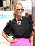 Celebrities Wonder 11509001_molly-sims-SodaStream-RethinkYourDrink_4.jpg