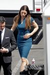 Celebrities Wonder 14055293_jessica-biel-set-of-new-girl_4.jpg