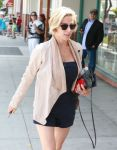 Celebrities Wonder 14141803_elsa-pataky-shopping_5.jpg