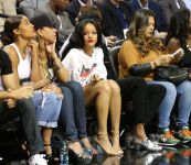 Celebrities Wonder 22130856_rihanna-2014-Summer-Classic-Charity-Basketball-Game_7.jpg