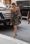 Celebrities Wonder 25534322_julianne-hough-nyc_2.jpg