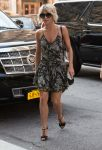 Celebrities Wonder 27996449_julianne-hough-nyc_1.jpg