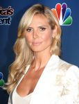 Celebrities Wonder 28026609_heidi-klum-Americas-Got-Talent-Season-9-red-carpet_7.JPG