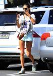 Celebrities Wonder 31097520_alessandra-ambrosio-short-shorts_4.jpg