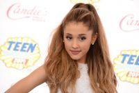 Celebrities Wonder 32397441_ariana-grande-teen-choice-2014_3.jpg