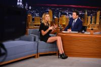 Celebrities Wonder 34246975_julia-roberts-The-Tonight-Show-With-Jimmy-Fallon_6.jpg