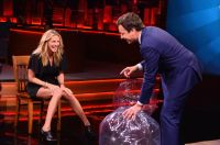 Celebrities Wonder 42336012_julia-roberts-The-Tonight-Show-With-Jimmy-Fallon_7.jpg