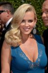 Celebrities Wonder 59369720_2014-Creative-Arts-Emmy-Awards_Jenny McCarthy 2.jpg