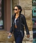 Celebrities Wonder 61409939_selena-gomez-leather-jacket_4.jpg