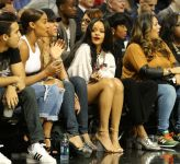 Celebrities Wonder 65251580_rihanna-2014-Summer-Classic-Charity-Basketball-Game_6.jpg