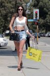 Celebrities Wonder 67016690_alessacdra-ambrosio-short-shorts_3.jpg