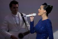 Celebrities Wonder 6873229_katy-perry-performing_5.jpg