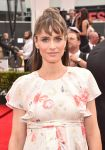 Celebrities Wonder 70186606_amanda-peet-2014-emmy_4.jpg