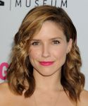 Celebrities Wonder 77605593_Women-Making-History-Event-sophia-bush_4.JPG