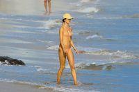 Celebrities Wonder 815172_alessandra-ambrosio-bikini_2.jpg