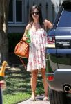Celebrities Wonder 84307472_rachel-bilson-pregnant_3.jpg