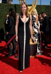 Celebrities Wonder 8456670_2014-Creative-Arts-Emmy-Awards_Allison Janney 1.jpg