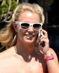 Celebrities Wonder 86124137_britney-spears-Starbucks_8.jpg